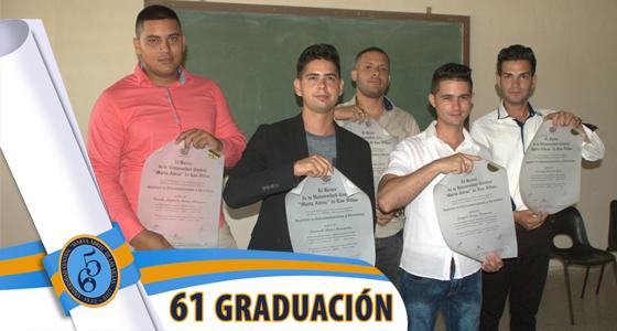 Acto de graduación en la Facultad de Ingeniería Eléctrica