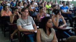 Bienvenida a estudiantes en Facultad de Ciencias Sociales