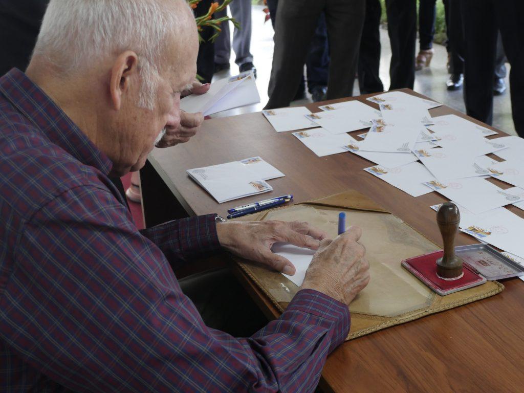 Dr. Fernando Vecino Alegret