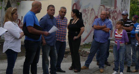 El Primer Secretario del Partido en Villa Clara constató la marcha de las obras en la Casa del Estudiante / Foto: Javiel Fernández
