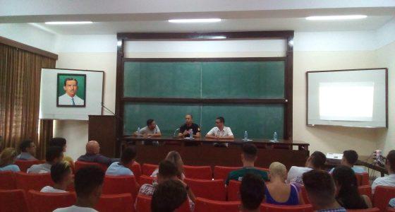 Panel sobre nuevas dinámicas de la comunicación en las universidades