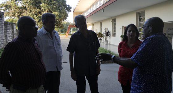 Visitan combatientes de la Columna del Che nuestra UCLV