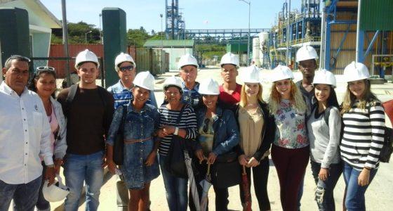 Una representación de la FQF y el CQA visitaron la Electroquímica de Sagua