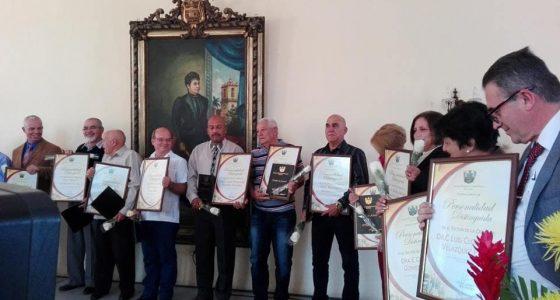 """Entrega Gobierno de Villa Clara reconocimiento """"Personalidad Distinguida de la Ciencia"""""""