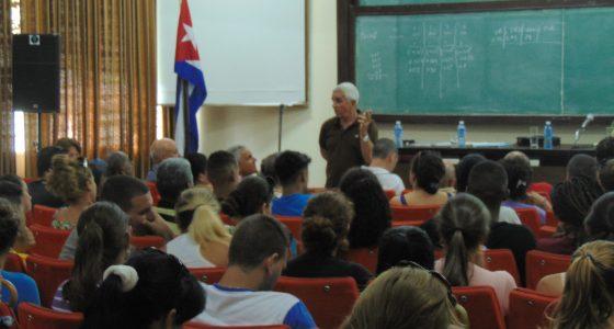 Cuánto más puede contribuir la Universidad al desarrollo de la industria cubana