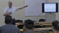 Guy Pujolle ofrece conferencia en UCLV