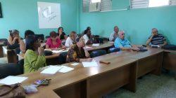 Profesores e investigadores del CEEd debaten sobre temas actuales del ámbito educativo.