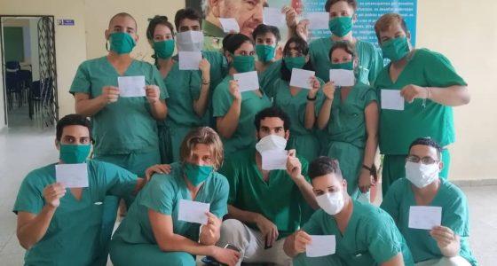 No son médicos ni enfermeras: ¡Son estudiantes!