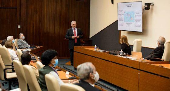 Presenta Miguel Díaz Canel su tesis doctoral